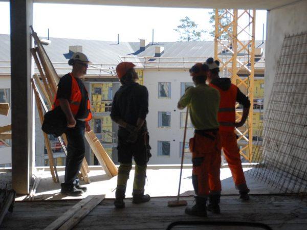 Raksalle töihin – Skanska, Rakennusliitto ja Barona käynnistävät työssäoppimisohjelman nuorille -Artikkelikuva