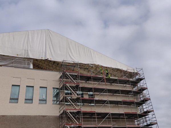 Tulenarat kattotyöt vaativat erityisosaamista -Artikkelikuva